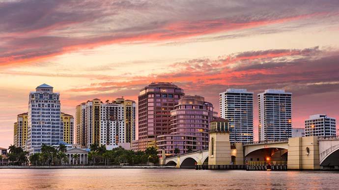 Condo houses in Palm Beach, FL